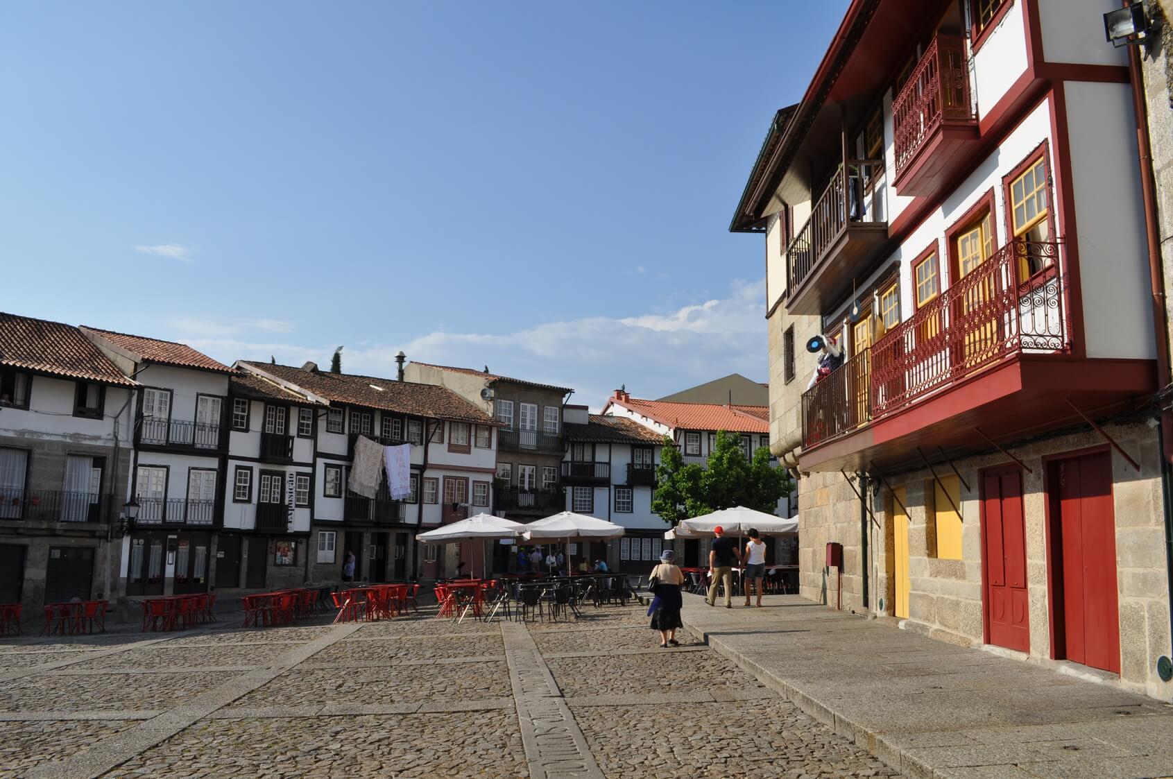 Visitas Guiadas Braga e Guimarães - Praças Típicas