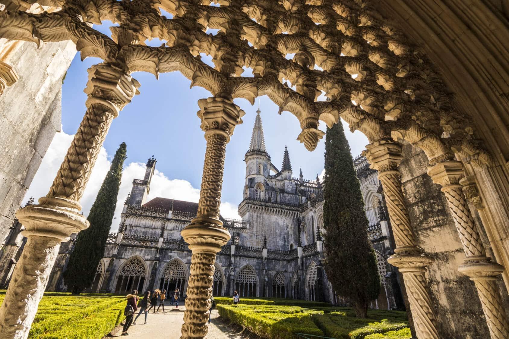 Discover Fátima, Batalha, Nazaré & Óbidos
