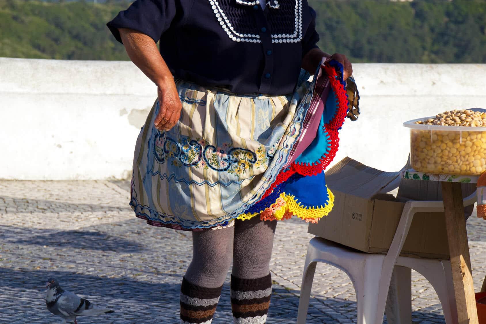 visitas guiadasVisitas Guiadas Fátima, Batalha, Nazaré e Óbidos - Roupa Típica fatima