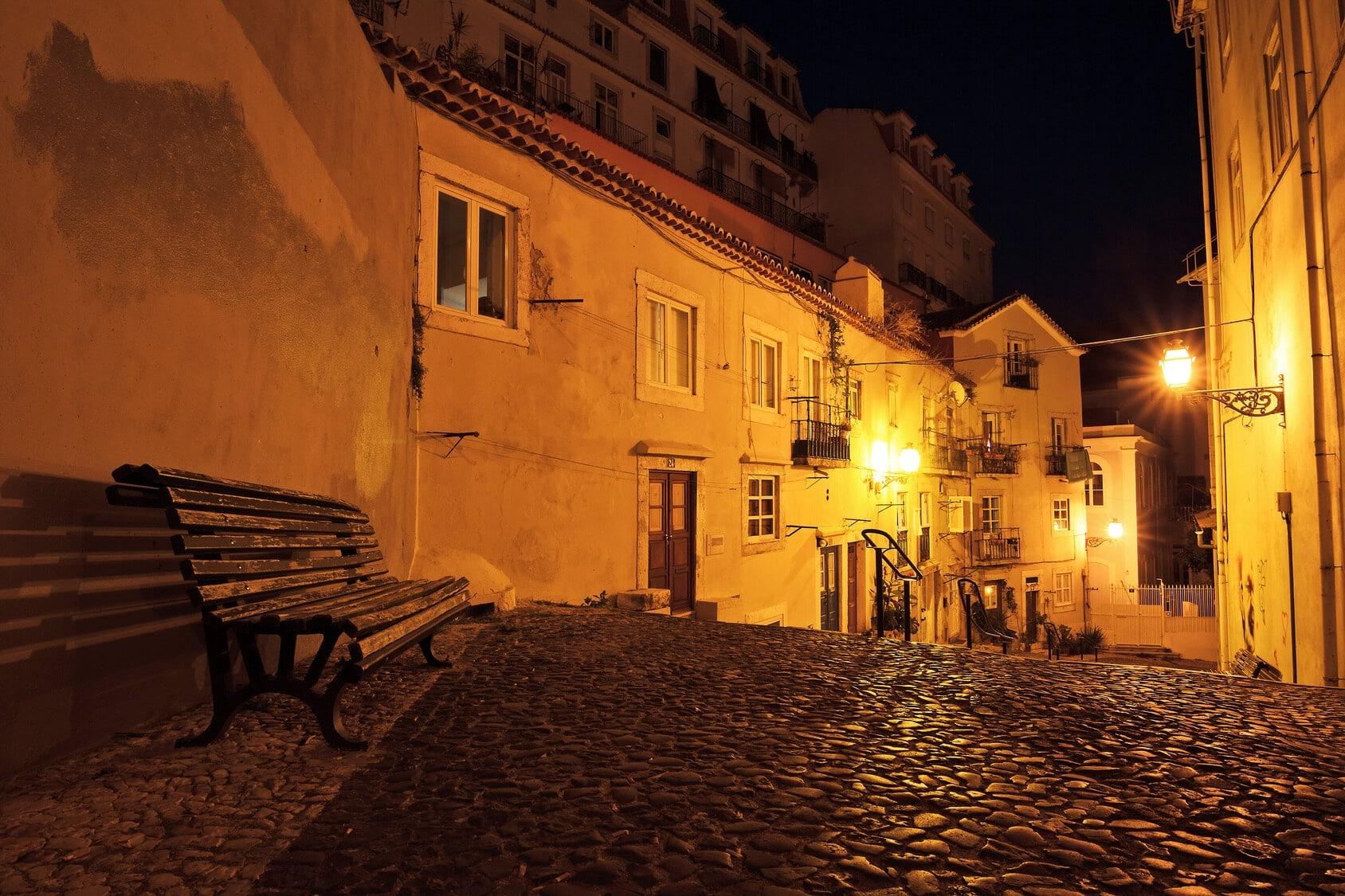 Jantar com Fado Lisboa - Ruas de Lisboa à Noite