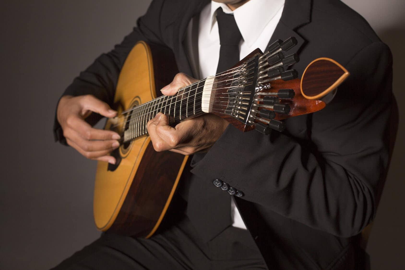 Jantar com Fado Lisboa - Guitarra Portuguesa de Fado