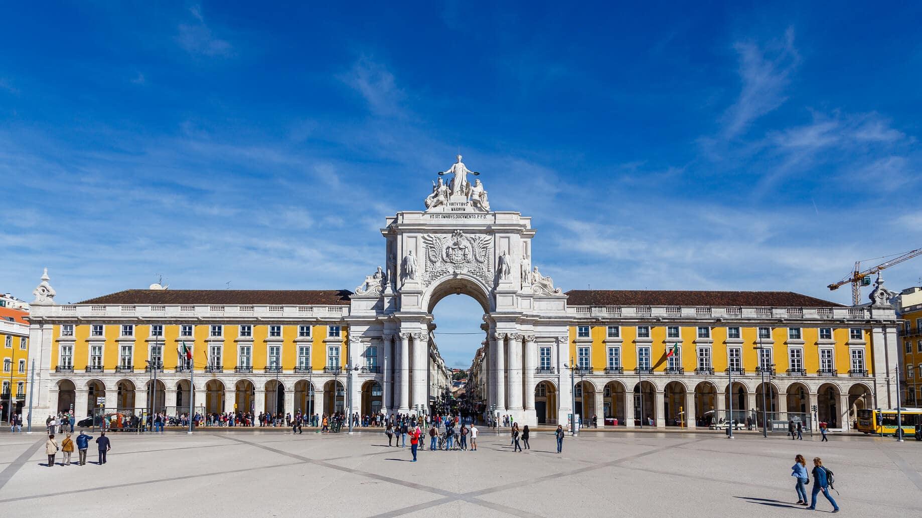 Circuito Lisboa, Sintra, Fátima : Centro da Praça do Comércio