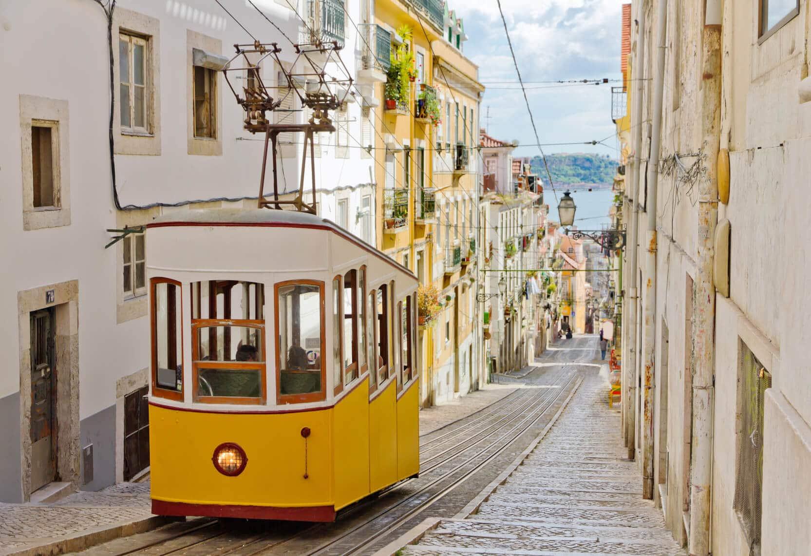 Circuito Lisboa, Sintra, Fátima : Ruas Típicas de Lisboa