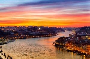 Visitas Guiadas Santiago de Compostela e Porto: Rio Douro à Noite